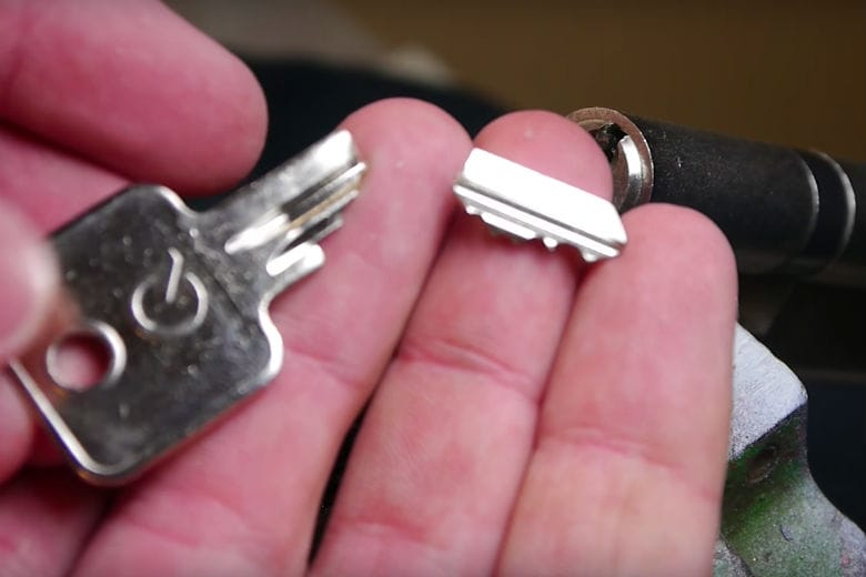 How To Remove Broken Key From Lock >> How To Remove A Broken Key From A Lock Without Needing A